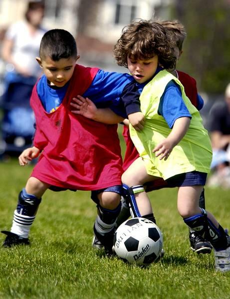 http://hamedsat.persiangig.com/document/soccer_90bartar.jpg